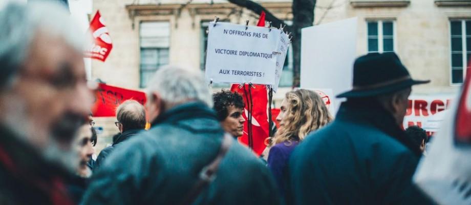 Tribune / La France en état d'urgence culturelle